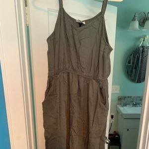 Calf length army green dress with POCKETS!!